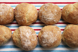 2-HOUR Crusty No Knead Rolls