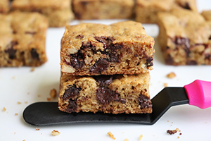 Dark Chocolate Chunk Blondies