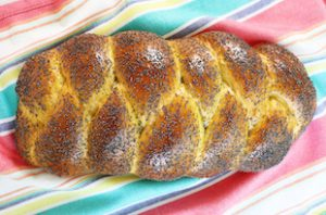 Braided Egg Bread with Poppy Seeds
