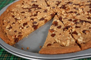 recipes_chocolate_chip_pizza_600