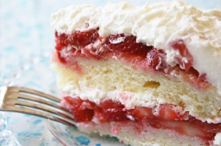 Strawberry Cake from JennyCanCook.com