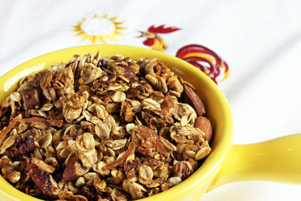 Easy Granola Recipe from JennyCanCook.com