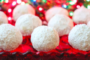 Easy Christmas Pecan Balls Video