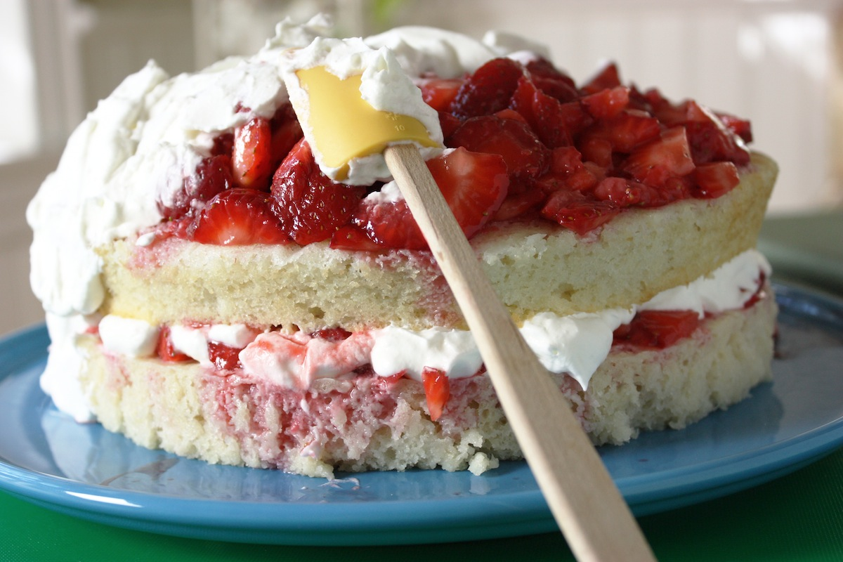 Best Recipe Fresh Strawberry Cake