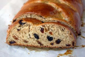 Easy Whole Wheat Raisin Bread