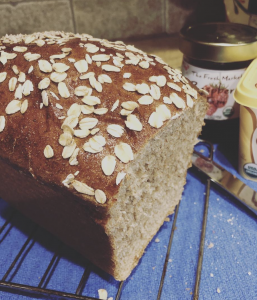 whole wheat bread top with oats