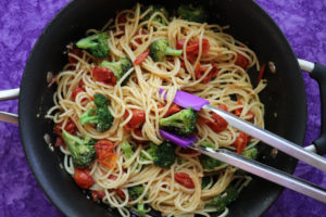 Spaghetti with Cherry Tomatoes and Broccoli