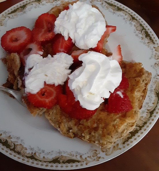 Oatmeal Pancakes With Strawberries