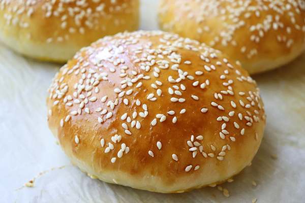 Quick Easy Sesame Seed Hamburger Buns Recipe Jenny Can Cook Jenny Can Cook
