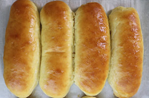 1-Hour Hot Dog Buns