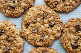 Chewy Oatmeal Chocolate Chunk Cookies