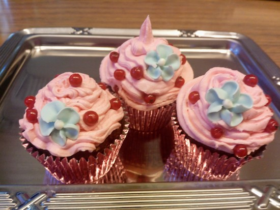 chocolate cupcakes_redcurrants